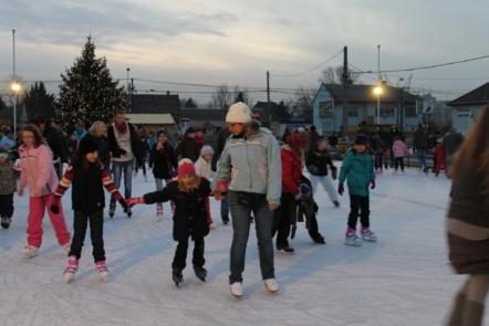 A XVIII. kerületben is van jégpálya (fotó: ittlakunk.hu)