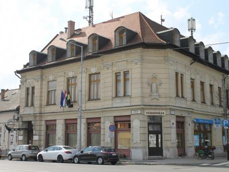 1 hónapig zárva (fotó: ittlakunk.hu)