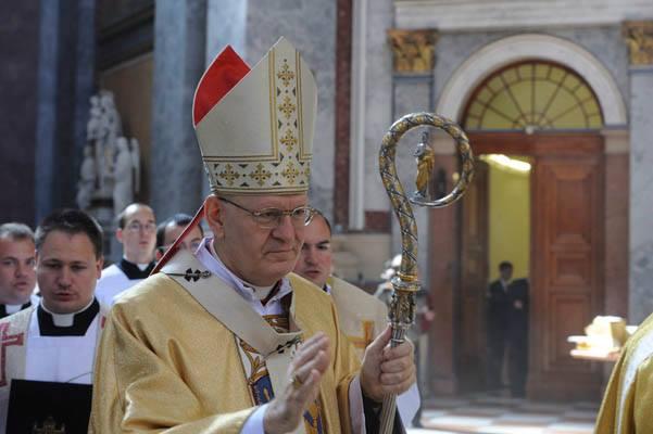 Erdő Péter misét celebrál