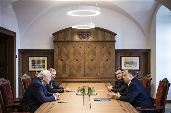 (fotó: MTI/Miniszterelnöki Sajtóiroda/Szecsődi Balázs)