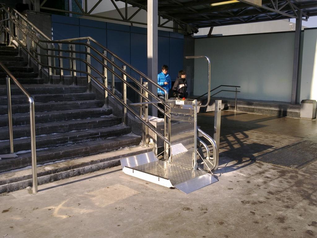 Ilyen egy lépcsőlift (fotó: Lehner Lifttechnik)