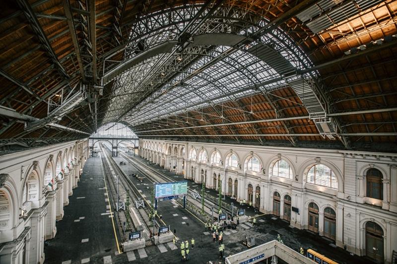 A megújult utascsarnok (forrás: MÁV Zrt.)
