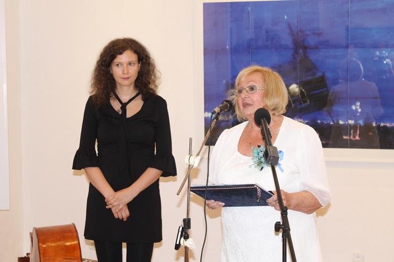 Mayer Éva és Sasvári lona (fotó: ittlakunk.hu)